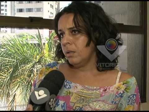 Mãe procura pela filha Ana Luiza, desaparecida desde o dia 25/09