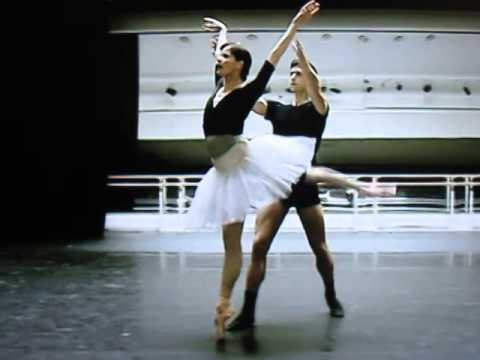Swan Lake Explanation 1 - Darcey Bussell