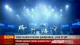 Turkey ► Eurovision 2011 Yüksek Sadakat - Live it up + Lyrics
