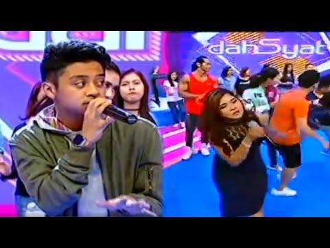 download lagu Bastian Steel - Juara Di Hati Dahsyat 4 gratis