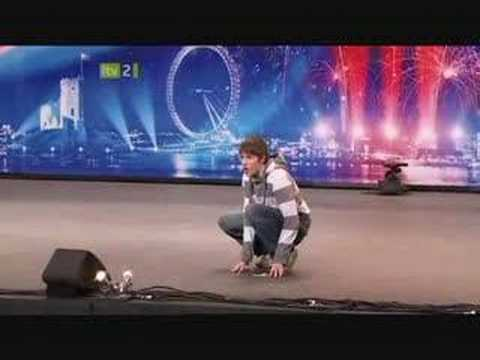 Gollum Impression on Britain s Got Talent 2008. (Smeagol / Andrew Swallow)