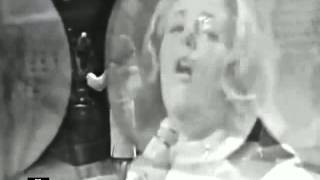 Watch Lesley Gore Hey Now video