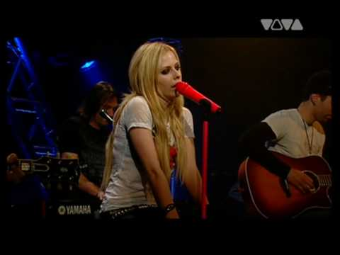 avril lavigne live acoustic. AVRIL LAVIGNE - GIRLFRIEND + WHEN YOU#39;RE GONE - EXCLUSIVE ACOUSTIC LIVE IN