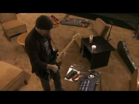 U2's The Edge soundchecks his guitar rig (It Might Get Loud)