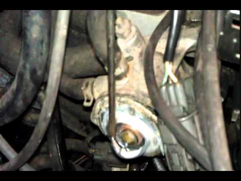 How to replace a thermostat on a Honda motor (Accord. Civic. Integra)