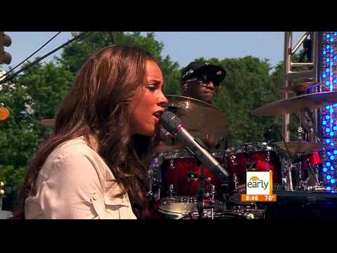 Alicia Keys Live in 1080p HD in New York!   YouTube2