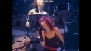 Watch Pat Benatar We Live For Love video