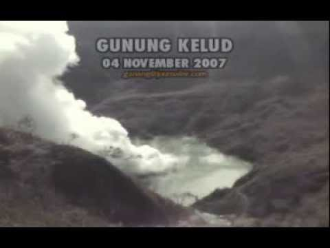 GUNUNG KELUD (Danau Kawah 04 Nov 2007)