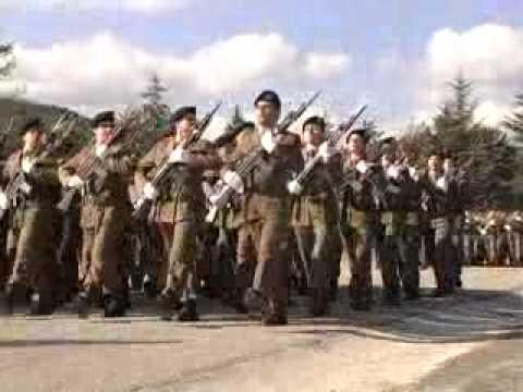 Ascoli - Le soldatesse giurano fedeltà alla Repubblica