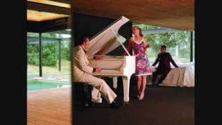 Watch Hoover Wardrope video