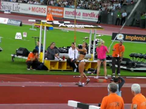 Yelena Isinbayeva New World Record 5.06  @ Zurich Golden League 28.08.09