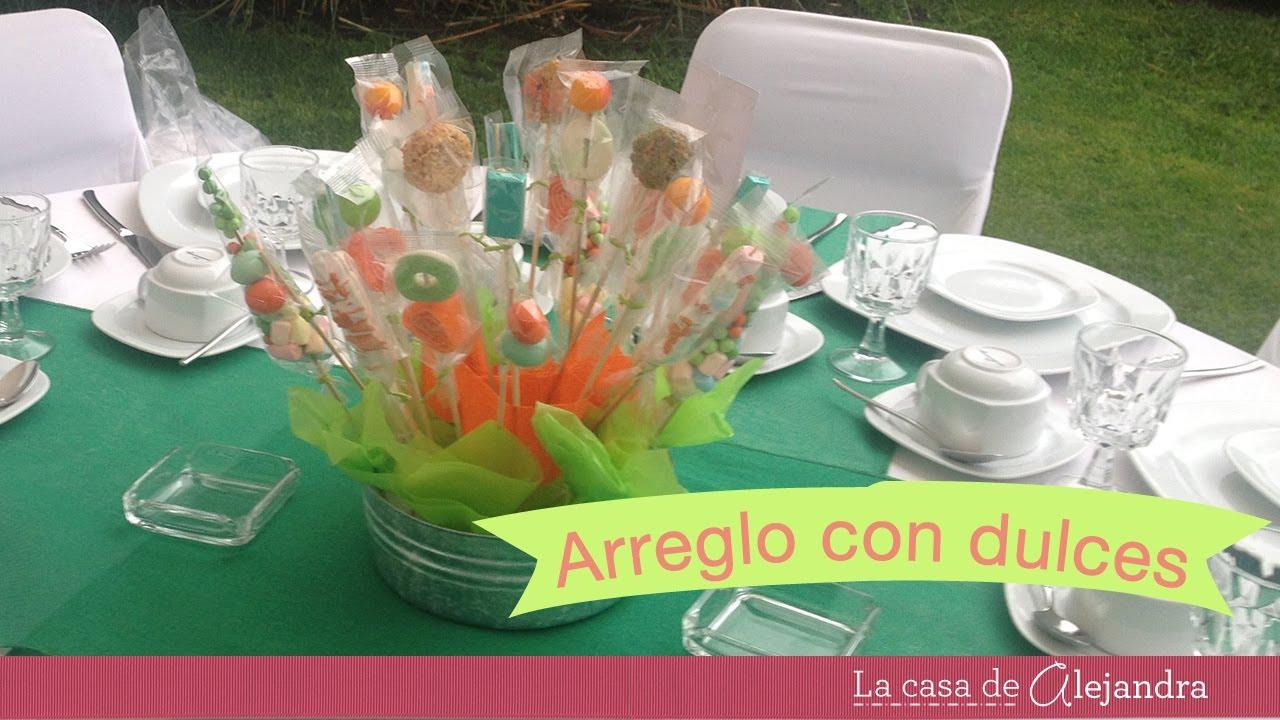 Arreglos con dulces diy candy arrangements youtube for Arreglos de mesa con dulces