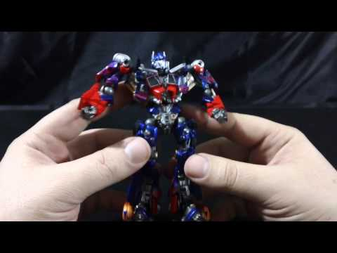Sci-Fi Revoltech #030 - DotM Optimus Prime Review Part 1