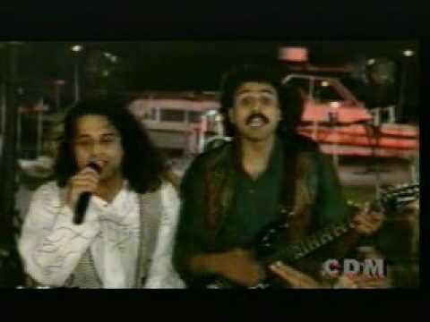 Hay Jazba Junoon To Himmat Na Har (Live Performance)
