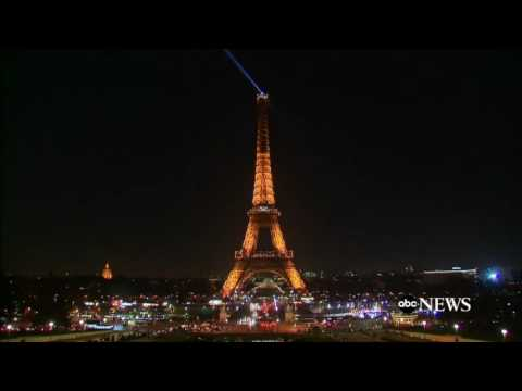 Eiffel Tower Lights Turned Off for People of Aleppo