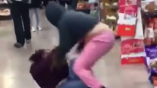 Girl gets beat up while shopping for fruit punch/ Girl Fight / Cermak / Grocery Store