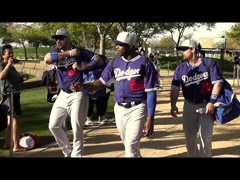 Dodgers Uribe, Puig, Hanley, Gonzalez 2-16-14 Walking to Spring Training Fields