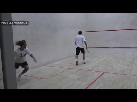 Doplňkový sport pro gólmany? Ti hradečtí hrají v zimě squash