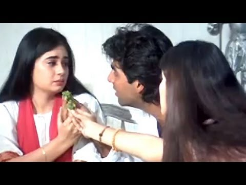 Akshays sorrow family - Sapoot Scene