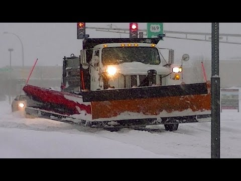 People Stranded,School Closed ! WINTER STORM WARNING MINNESOTA ! PLOW TRUCK ANOKA/CHAMPLIN !