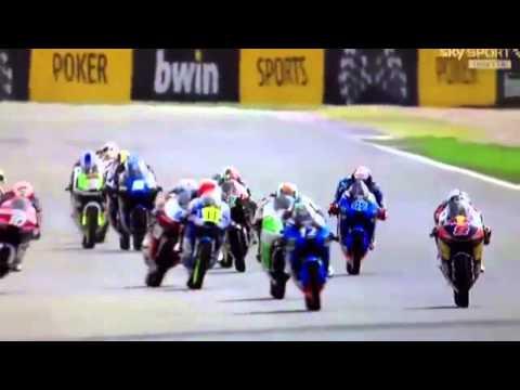 Alex Rins festeja la victoria una vuelta antes y queda 9no en Moto3