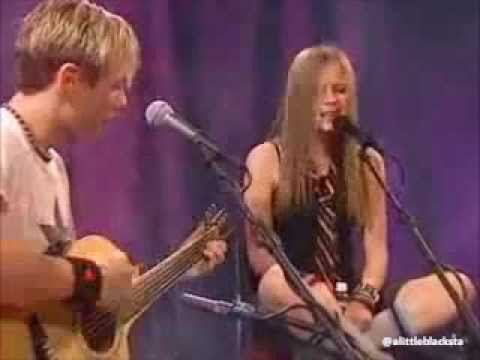 Avril Lavigne Live Acoustic 2002 video