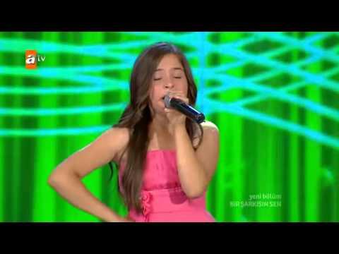 BerNa KaragözoğLu Hamsi BaLıgı + İbibikLer Bir Şarkısın Sen 2012 Atv HD  YouTube