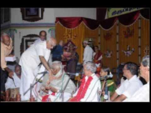 Vallakkottai Thiruppugazh Sabai  singing Thiruppugazh in Thiruppugazh...