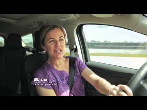 Denisse Icaza en comercial de Ford en Español | Ahorros para Mamá