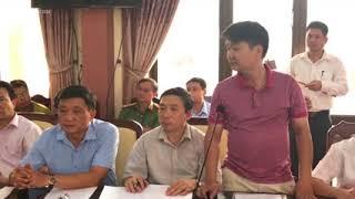 Họp mô tả việc gian lận điểm thi tại Hà Giang