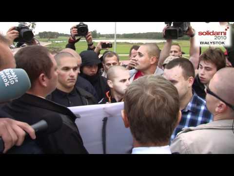 Konfrontacja DonAlda Tuska z kibicami Jagiellonii Białystok 1_2