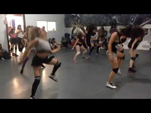 BOOTYJAM / SEXY TWERK / BOOTY SHAKE / LATINAS TWERKING