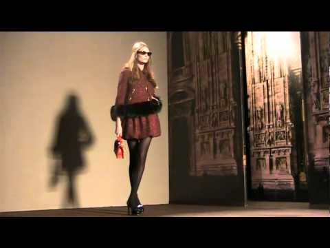 Moschino Cheap & Chic Fall-Winter 2011/2012 - Milano Moda Donna