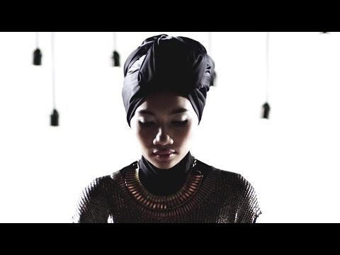 Yuna - Falling video
