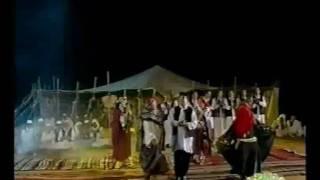 رقص شعبي من ليبيا بالازياء التقليديه