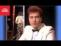 """Z televizního pořadu: Hitšarádový koktejl 1985 Diskografie Michala Davida ▻ https://supraphon.lnk.to/michaldavid Text písně """"Každý mi tě, lásko, závidí"""": Poznal jsem teď jednu..."""