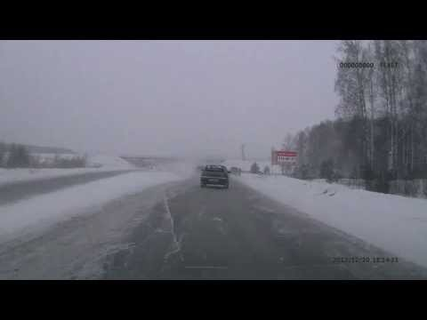 Водитель автомобиля ВАЗ-2112 чудом избежал столкновения с человеком
