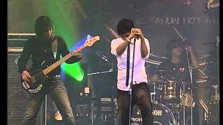 download lagu Ungu - Demi Waktu - 2008 - Live gratis