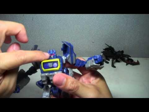 Transformers Generations Cybertronian Soundwave
