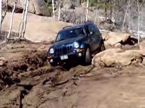 Jeep Liberty Playing in Mud 2 Video