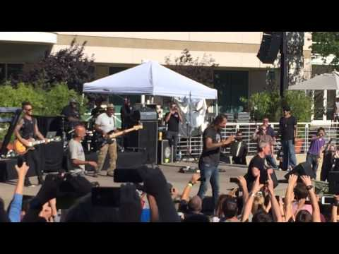 Tim cook and Michael franti ALS ice challenge