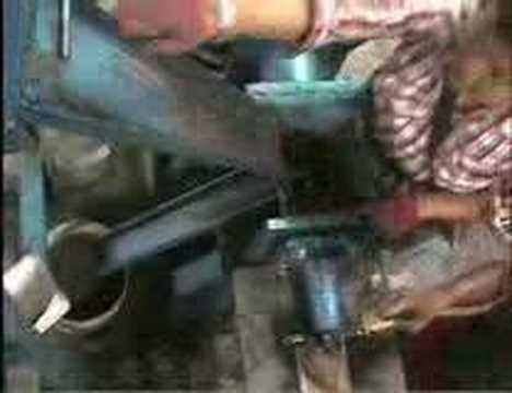 Charcoal briquette making machine (2)