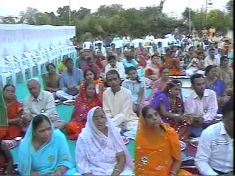 Pushtimarg's Aacharya 108 Shri Jaydevlalji Mahoday Shri-janam Divas Part -1 3.mpg video