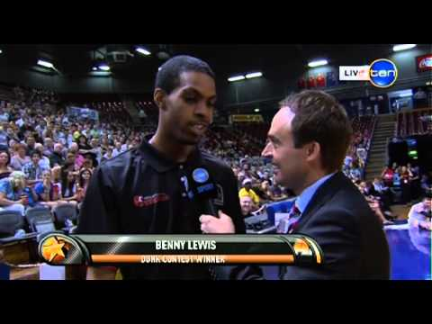 2012 NBL All Star Dunk Comp Finale - Lance Hurdle vs Bennie Lewis | Wollongong NRE Hawks