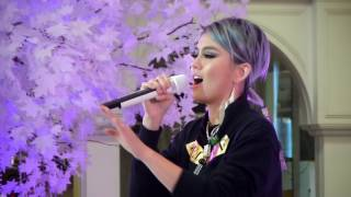 download lagu Agnez Mo - Sebuah Rasa  Live Performances gratis