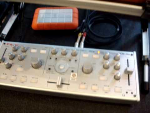 JS present Vestax VCM-100