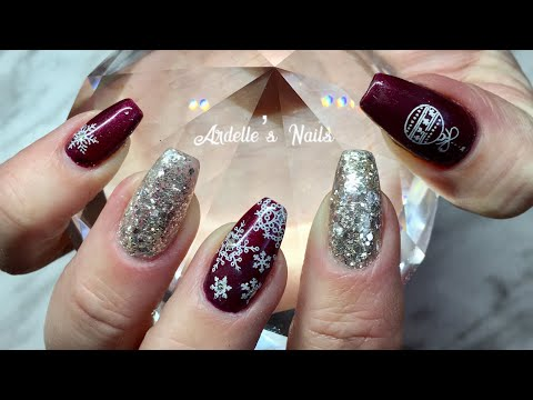 Watch Me Work: My Christmas Nails