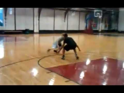 Justin Bieber Plays Basketball with Usher!