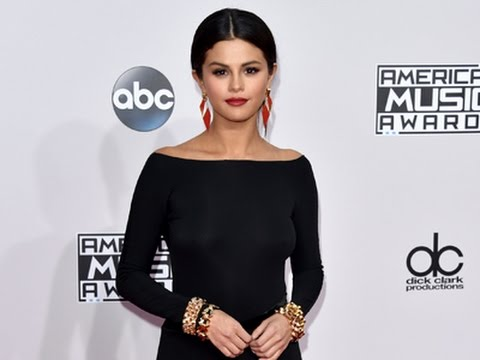 Black Is the New Black on AMAs Red Carpet thumbnail