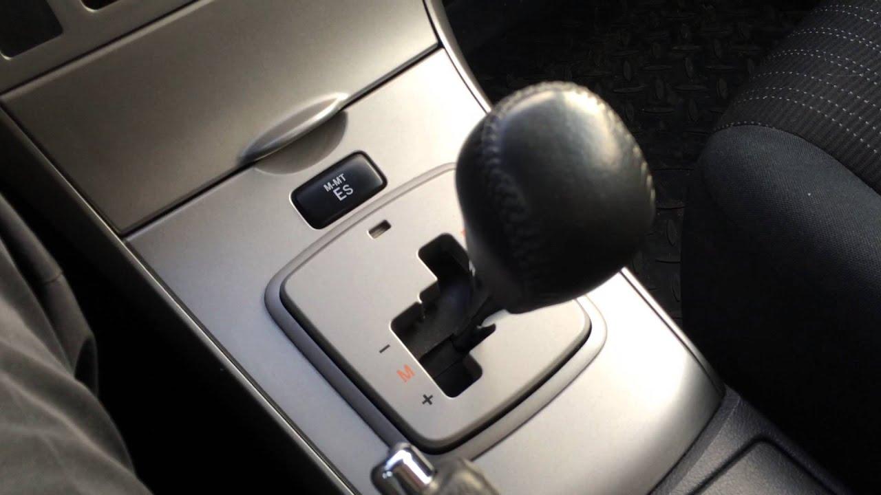Тойота королла робот фото
